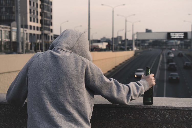 Kom i behandling for dit alkoholmisbrug